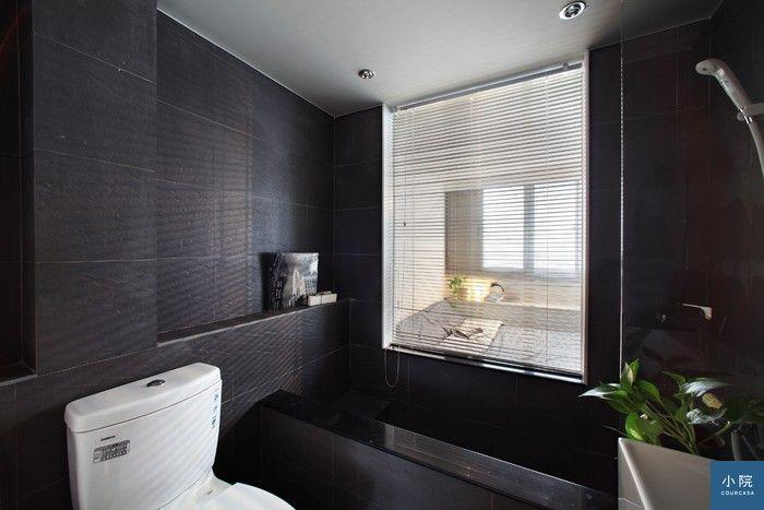 (房子中的暗房可設計成浴室或儲藏室,再用玻璃窗引進光線。需要隱私之處可加窗簾。尤噠唯設計提供)