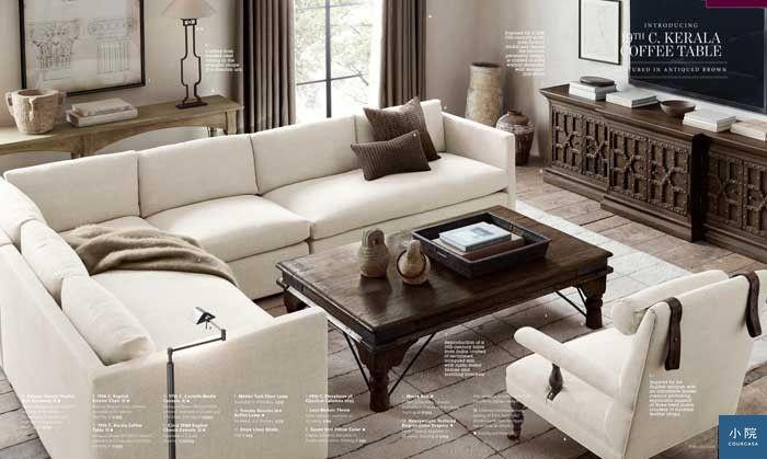 在大空間裡,沙發不靠牆的設計,能拉近家人彼此的距離。圖片來源:Restoration Hardware