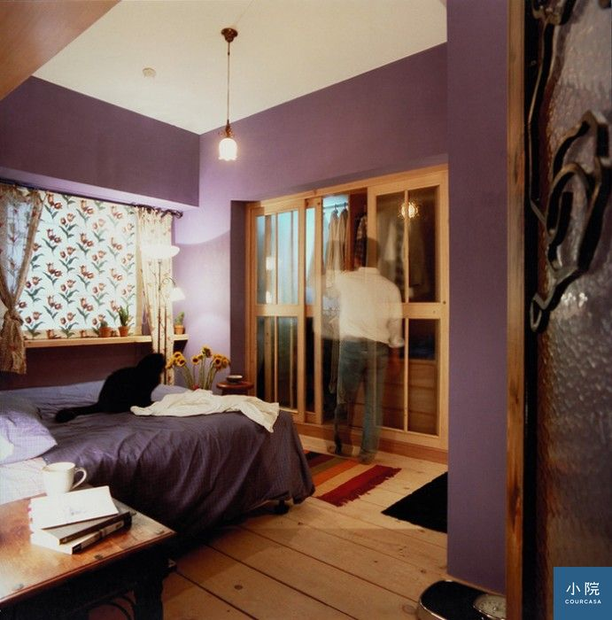可以從家具的色調延伸出空間的主色。如寢具與牆面同色系,整個空間更具整體感。 集集設計提供