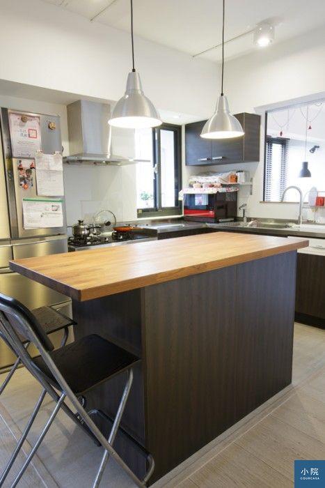 (廚房沒多少牆面空間可做上櫃,因此中島是擴充收納的重要幫手。)