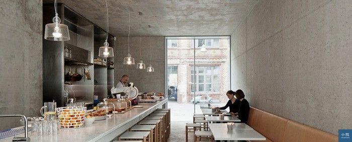 這款吊燈也出現在《好的設計沒那麼貴》一書,建築師David Chipperfield家樓下的餐廳裡。圖片來源:Produzione PRIVATA