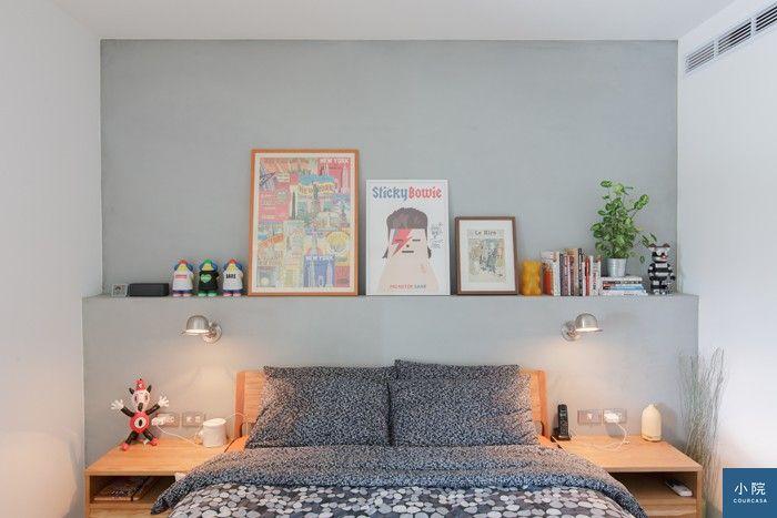 地板、床架和床頭櫃都是木頭色,Enzo便決定主牆不能再用木頭素材。