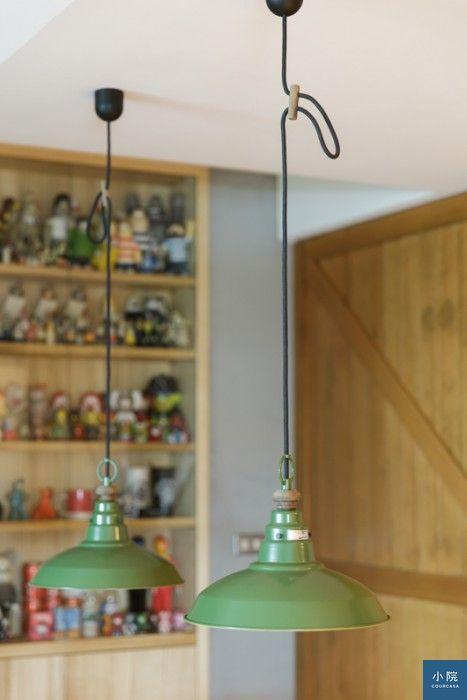 餐桌上的日本後藤燈具吊燈,也是兩人很滿意的單品。