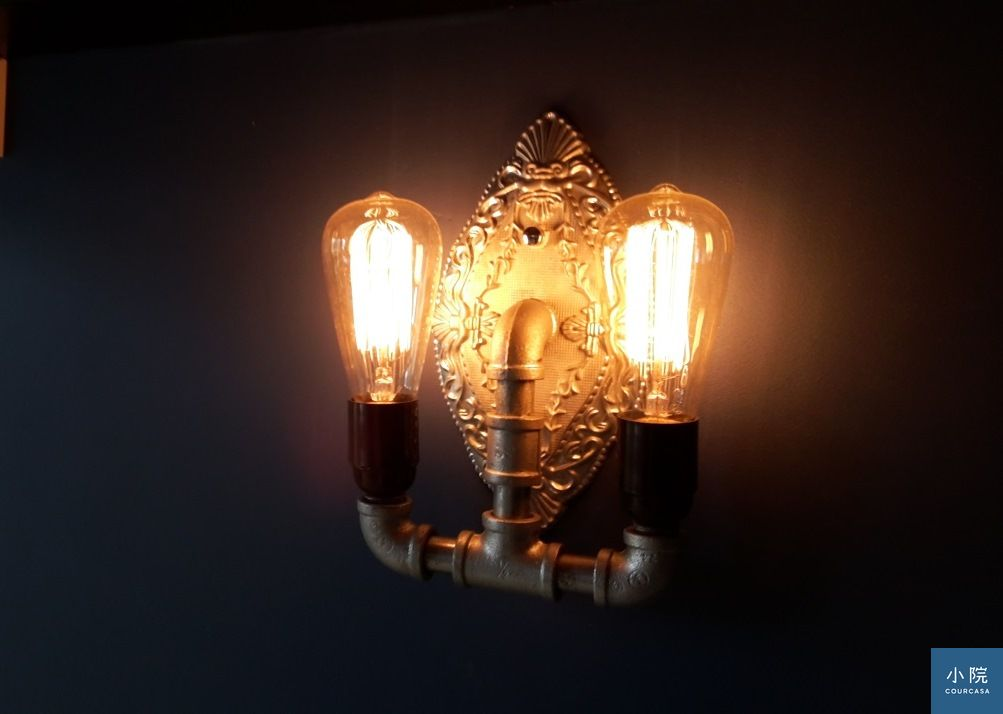 Loft水管壁燈420元