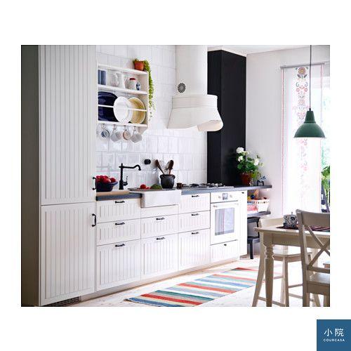 鄉村風的白色線板門片,搭這種黑色門手,搭起來頂好看。本文照片來源:IKEA