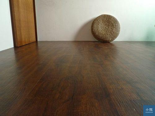 第一篇的手刮地板,就是民景家的產品,